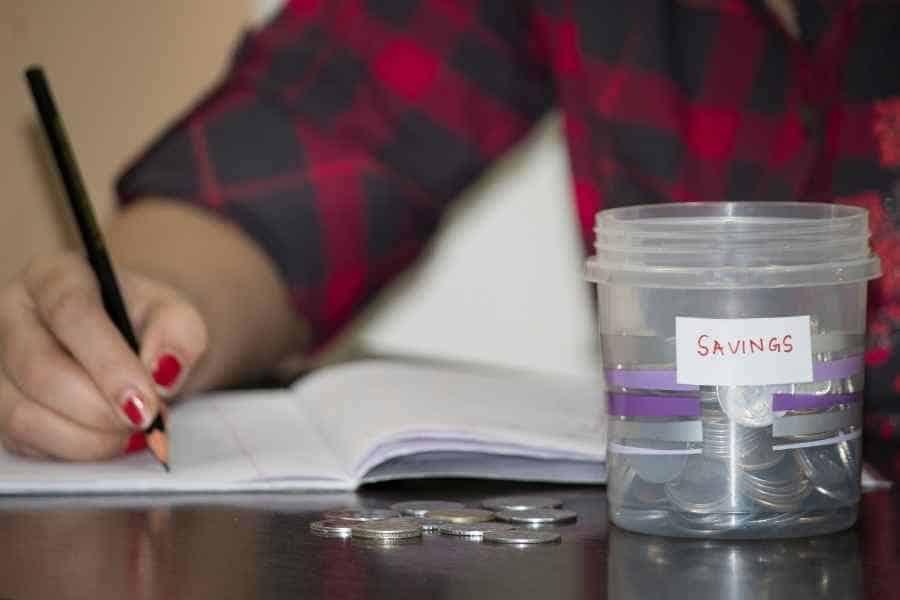 woman budgeting for savings
